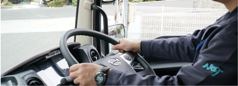 ドライバー付きトラックレンタカードラレン